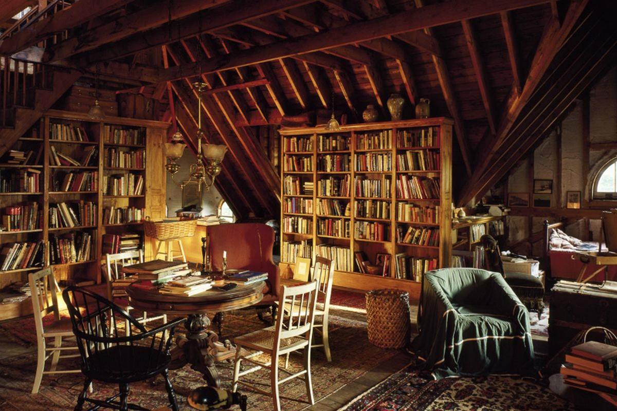 это библиотека на чердаке в частном доме фото небольшой обзор что
